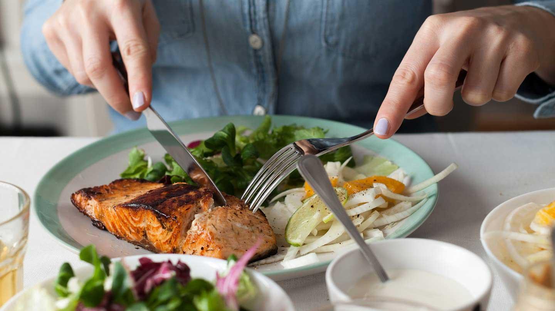 Surpresa: comer de maneira saudável não vai ajudá-lo a perder peso!